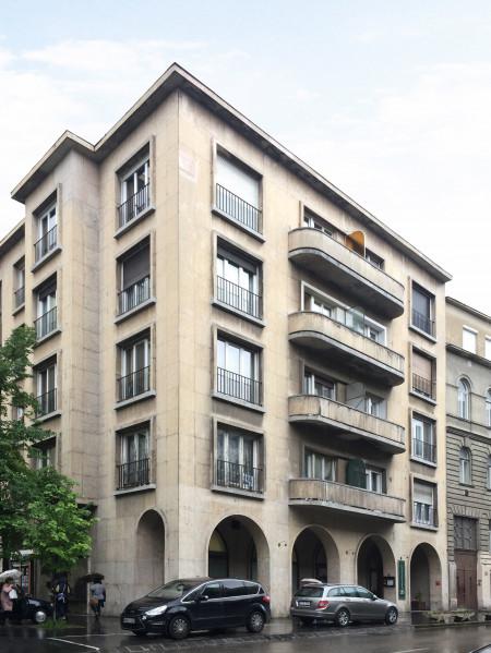 Apartments Csalogány street 26
