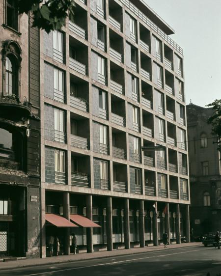 Apartments József Attila street 22