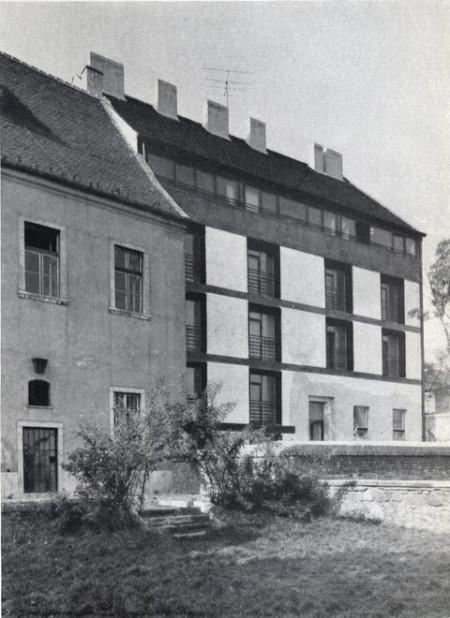 Apartments Tárnok street 7